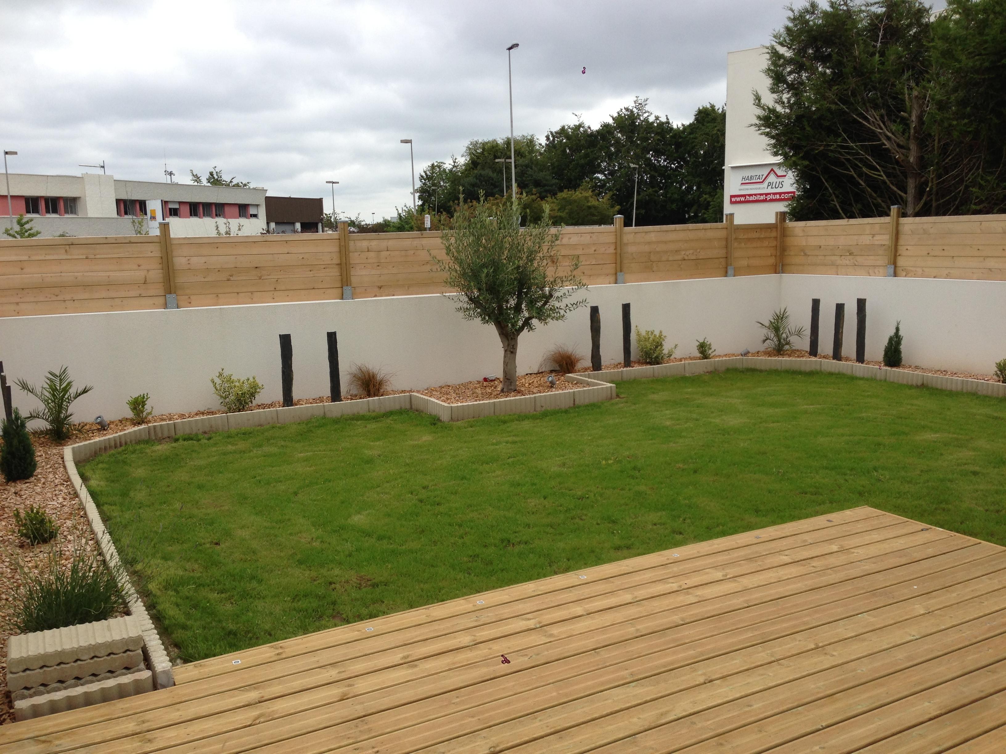 r alisation d une terrasse bois lorient an oriant sols. Black Bedroom Furniture Sets. Home Design Ideas