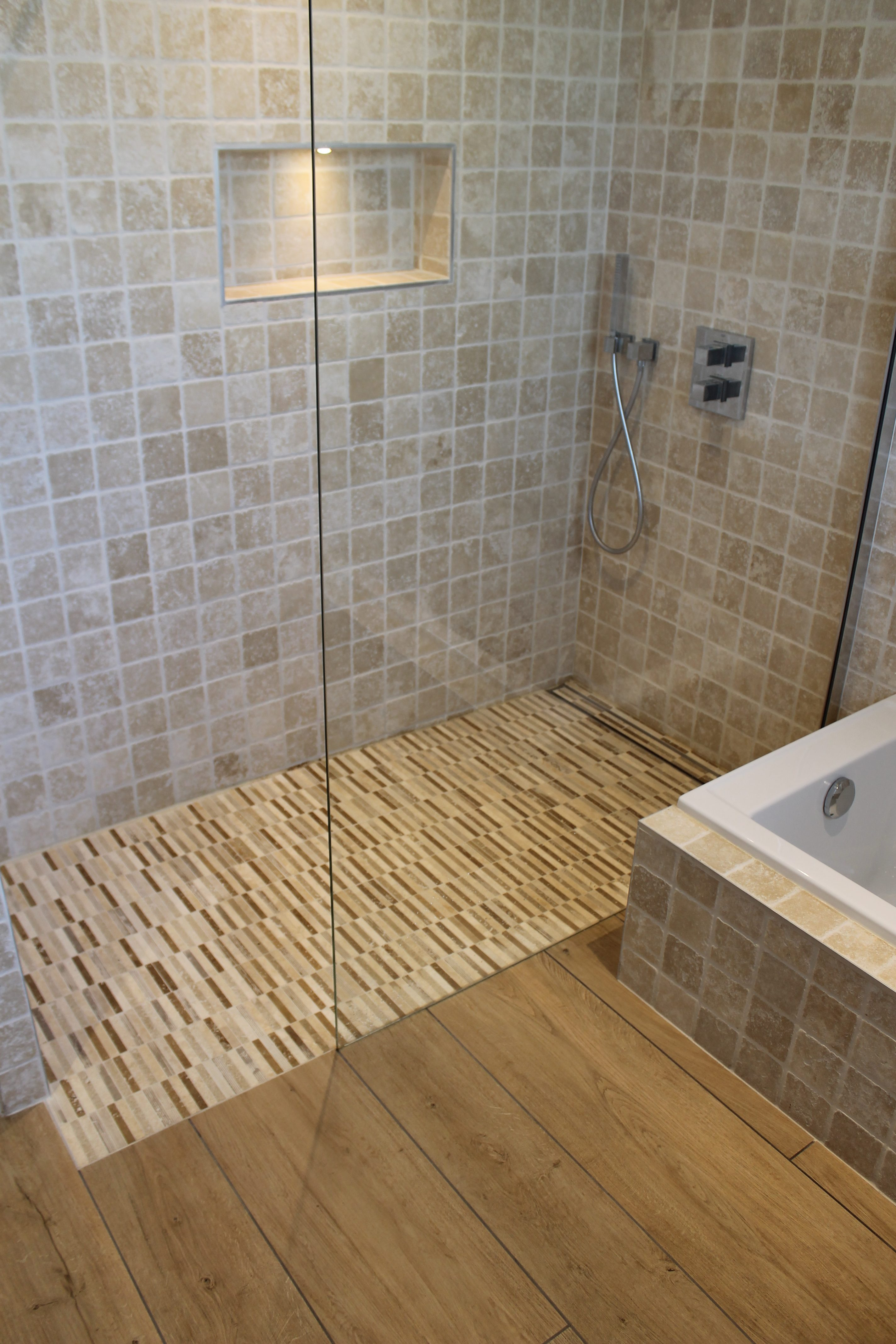 r alisation d une salle de bain inzinzac lochrist an. Black Bedroom Furniture Sets. Home Design Ideas