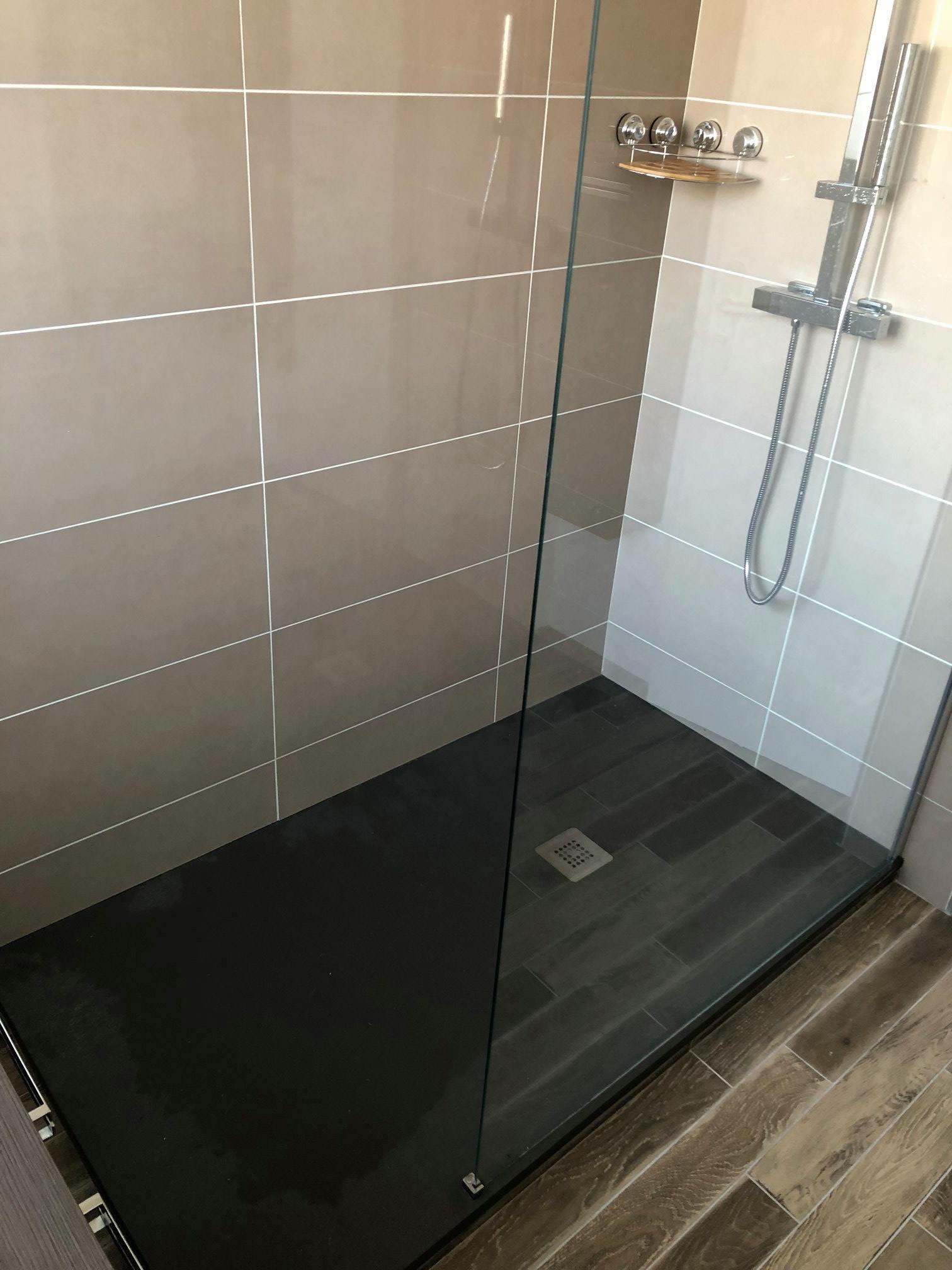 R alisation d une salle de bain lomener an oriant sols - Realisation salle de bain ...